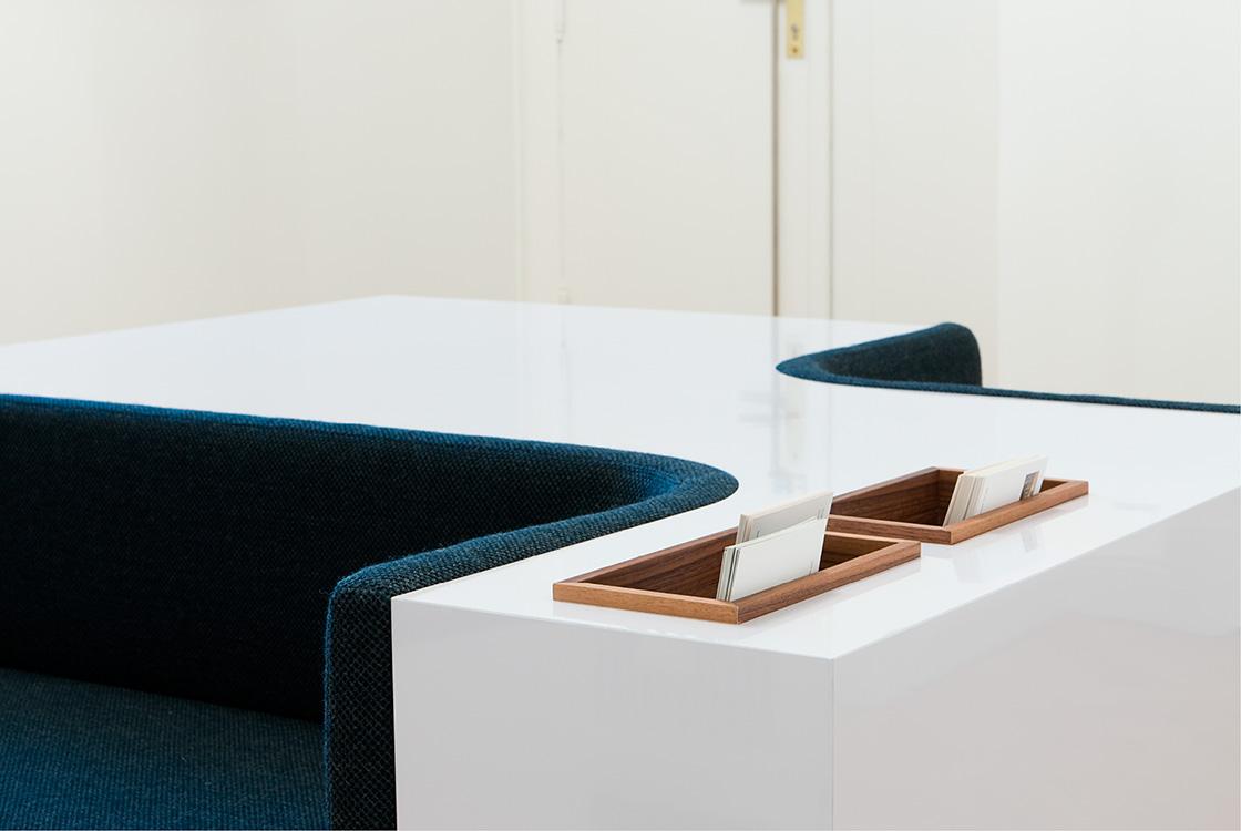 Architektur und Raum: Interiorgestaltung Empfang Kanzlei in Berlin