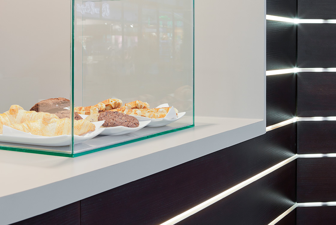 Gastronomiedesign: Häagen-Dazs Bahnhofshop Hamburg und Frankfurt 05