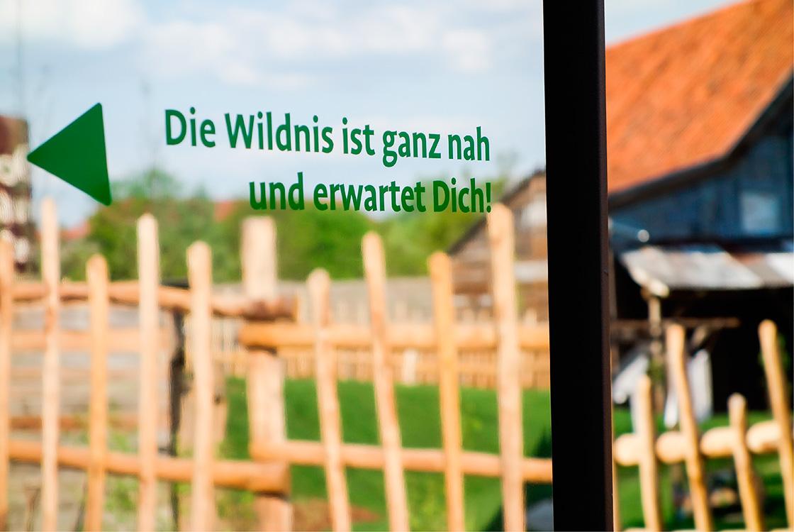 41_storieswithinarchitecture_EinStueckWildnis-Wegeleitsystem_02
